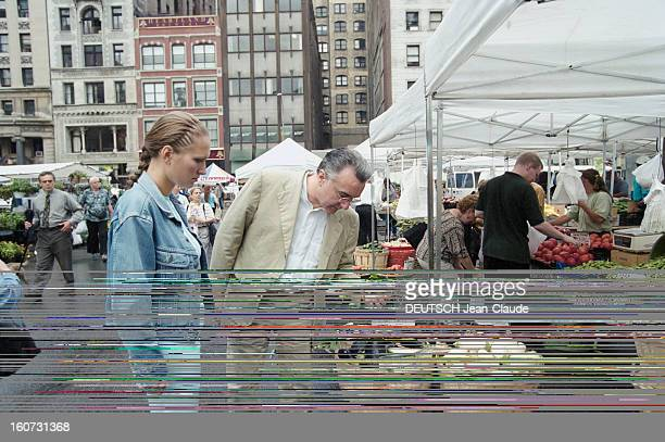 Chef Alain Ducasse With His Companion Gwenaelle In Nyc En Septembre 2000 à l'occasion d'une visite aux Etats Unis en compagnie de sa compagne...
