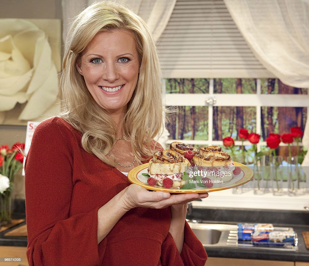 Sweet Sundays with Sandra Lee and Pillsbury