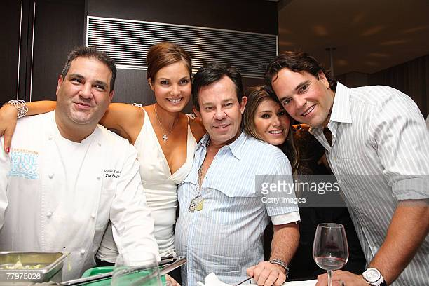 Chef Andrew Swersky Alicia Piazza JR Ridinger Loren Ridinger Mike Piazza pose at the Audemars Piguet cocktail reception at Mike Piazza's home on...