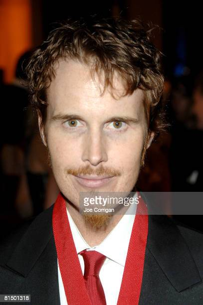 Chef Grant Achatz and winner of the 2008 outstanding chef award attends The 2008 James Beard Foundation Awards Gala on June 8 2008 at Avery Fisher...