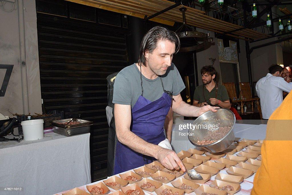 Chef Inaki Aizpitarte prepares raw smoked pork Tartare during the
