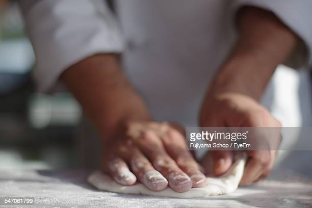 chef making pizza - midsection stock pictures, royalty-free photos & images