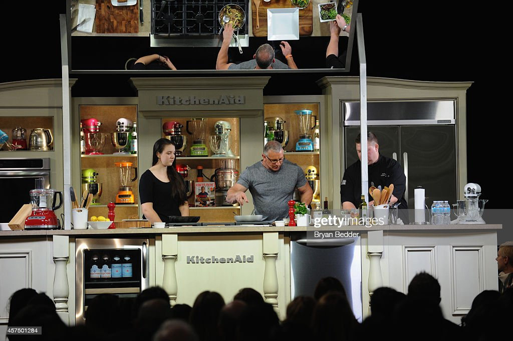 Grand Tasting Presented By ShopRite Featuring KitchenAid® Culinary Demonstrations Presented By MasterCard® - Food Network New York City Wine & Food Festival Presented By FOOD & WINE : News Photo