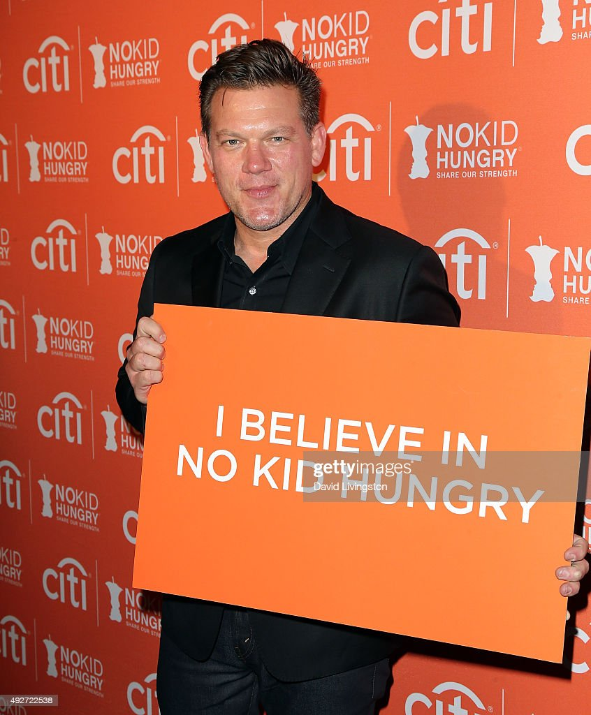 No Kid Hungry Benefit Dinner - Arrivals : News Photo
