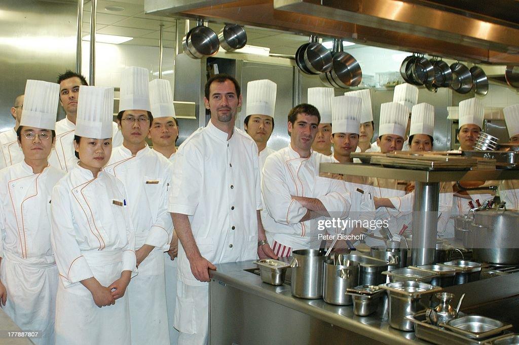 Chef-Koch, Küche im \'Shangi-La\'-Hotel Pudong, Shanghai, China, A ...