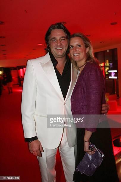 Chefredakteur Gq Reinhard Haas Und Vanessa Golle Bei Der Verleihung Der Gq Men Of The Year Awards In Der Wappenhalle In München