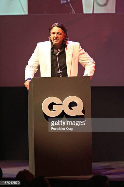 Chefredakteur Von Gq Reinhard Haas Bei Der Verleihung Der Gq Men Of The Year Awards In Der Wappenhalle In München Am 041105