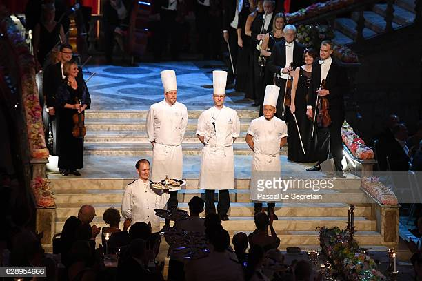 Chefs aknowledge applause at the end of the Nobel Prize Banquet 2015 at City Hall on December 10 2016 in Stockholm Sweden