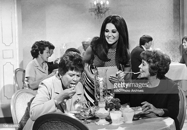 "Chef's Night Out"" - Airdate February 12, 1971. PAT MALOWE;MARLO THOMAS;SHIRLEY O'HARA"