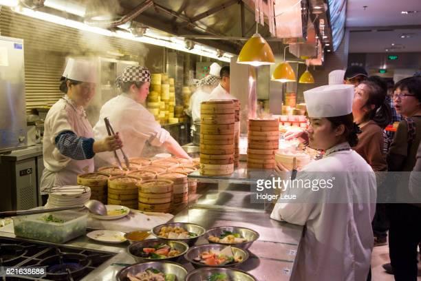 Chefs prepare Dim Sum at Neighbor Restaurant in Old Town (Nanshi)