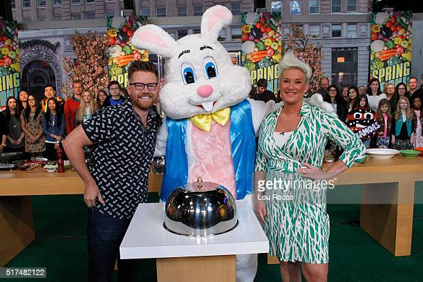 AMERICA Chefs Richard Blais and Anne Burrell compete in the 'Spring It On Showdown' on GOOD MORNING AMERICA 3/25/16 airing on the ABC Television...