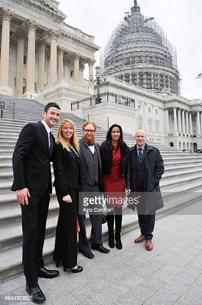 Chefs Sam Talbot Matt Weingarten Jennifer Pulapaka Padma Lakshmi and Tom Colicchio pose for a photo on the capitol steps as they came together on...