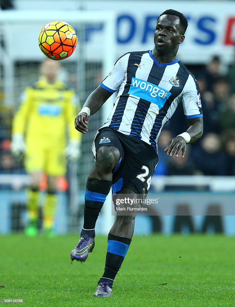 Cheick Tiote of Newcastle United in action during the Barclays Premier League match between Newcastle United FC and West Bromwich Albion FC at St James' Park on February 6, 2016 in Newcastle Upon Tyne, England.