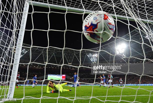 Cheikhou Kouyate of West Ham United scores his sides first goal during the EFL Cup fourth round match between West Ham United and Chelsea at The...