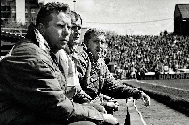 Chelsea 4 v Liverpool 2. Chelsea manager Bobby Campbell watches from the touchline. Bobby Campbell
