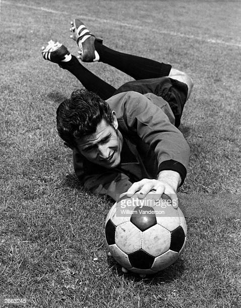 Chelsea and England goalkeeper Peter Bonetti saving a ball during training Original Publication People Disc HC0194