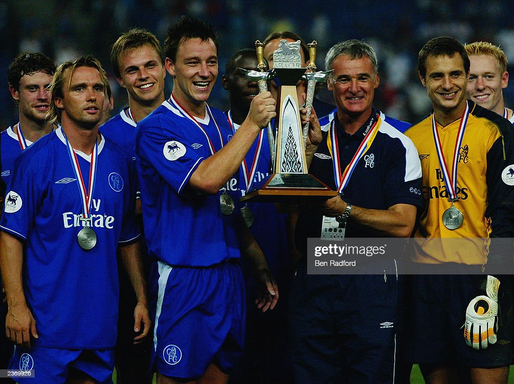 https://media.gettyimages.com/photos/chelsea-captain-john-terry-and-manager-claudio-ranieri-celebrate-by-picture-id2369926