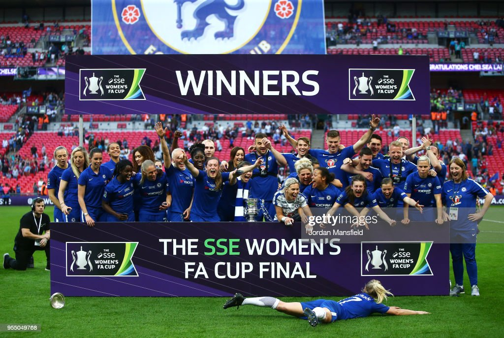 Chelsea celebrate victory following the SSE Women's FA Cup Final match between Arsenal Women and Chelsea Ladies at Wembley Stadium on May 5, 2018 in London, England.