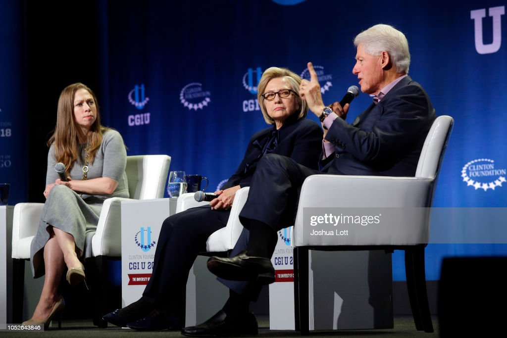Former President Clinton, Hillary Clinton And Chelsea Clinton Give Closing Remarks At The Clinton Global Initiative University : News Photo