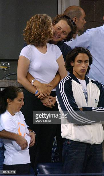 Chelsea Clinton and her boyfriend Ian Klaus watch the 2002 US Open Mens Finals between Andre Agassi and Pete Sampras on September 8 2002 in Flushing...