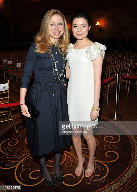 Chelsea Clinton and Miranda Cosgrove attend the 7th Annual Common Sense Media Awards honoring Bill Clinton at Gotham Hall on April 28 2011 in New...