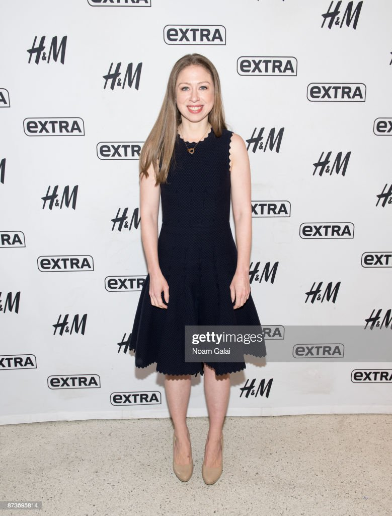 "Chelsea Clinton Visits ""Extra"""