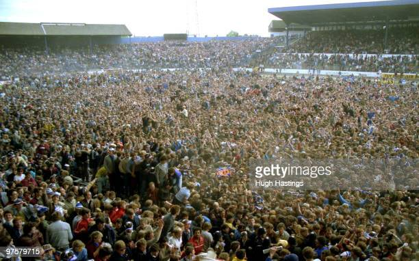 Barnsley V Chelsea Stock Pictures, Royalty-free Photos & Images ...