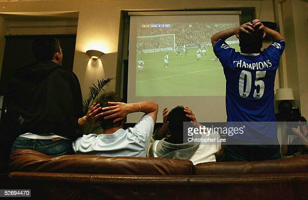 Chelsea fans show their disappointment as they watch the Arsenal v Tottenham Hotspur match at the So Bar on April 25 2005 in London Arsenal beat...
