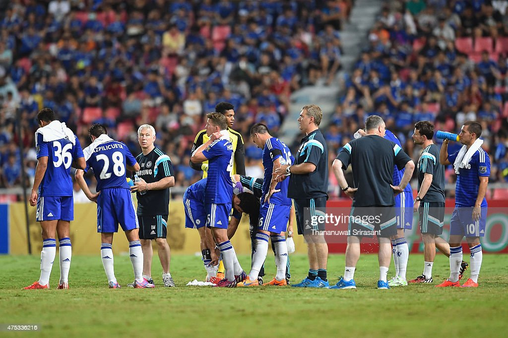 Chelsea FC team cooling break during the international friendly match between Thailand All-Stars and Chelsea FC at Rajamangala Stadium on May 30, 2015 in Bangkok, Thailand.