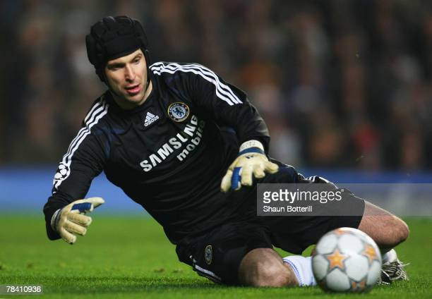 Chelsea goalkeeper Petr Cech in action during the UEFA Champions League group B match between Chelsea and Valencia at Stamford Bridge on December 11...