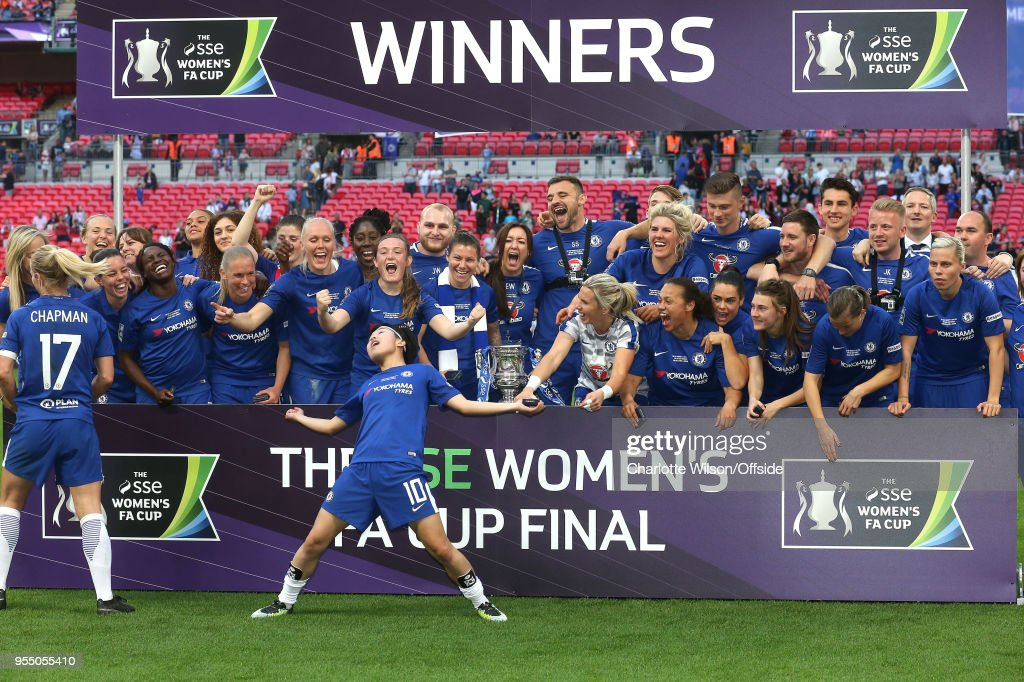 Chelsea Ladies celebrate winning the trophy during the SSE Women's FA Cup Final between Arsenal Women and Chelsea Ladies at Wembley Stadium on May 5, 2018 in London, England.