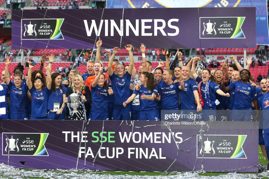 Chelsea Ladies Celebrate Winning The Trophy During SSE Womens FA Cup Final Between Arsenal Women