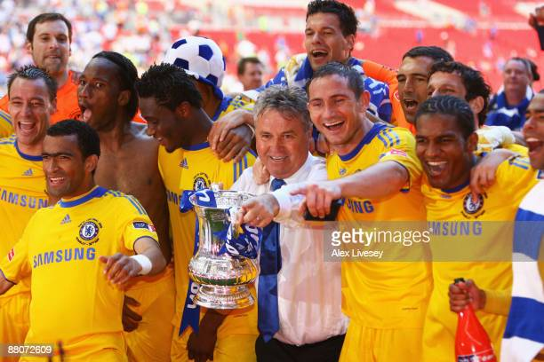 Chelsea Manager Guus Hiddink celebrates with winning goalscorer Frank Lampard and team mates following the FA Cup sponsored by EON Final match...