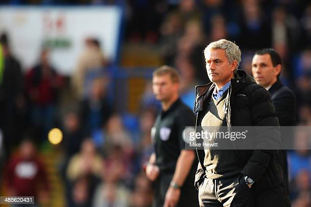 Chelsea manager Jose Mourinho gives instructions during the Barclays Premier League match between Chelsea and Sunderland at Stamford Bridge on April...