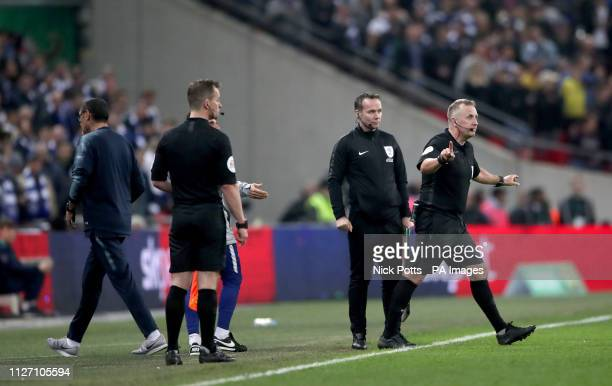 Chelsea manager Maurizio Sarri walks away after speaking with referee Jonathan Moss after his firstchoice goalkeeper Kepa Arrizabalaga refuses to...