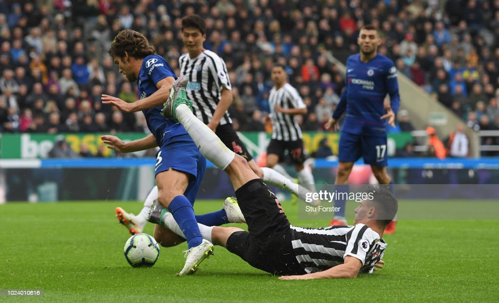 Newcastle United v Chelsea FC - Premier League : Foto jornalística