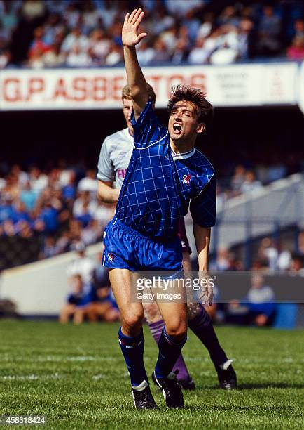 Chelsea player Pat Nevin in action during a League Division One match between Chelsea and Sheffield Wednesday at Stamford Bridge on August 15, 1987...