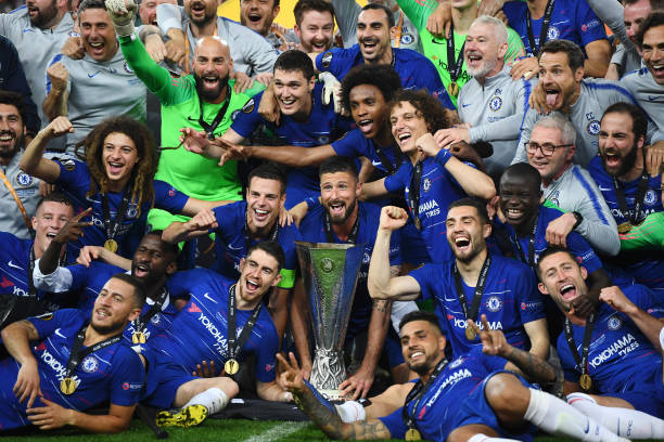 Ligue Europa 2018  - 2019 -2020 - Page 10 Chelsea-players-and-staff-celebrates-with-the-europa-league-trophy-picture-id1152502531?k=6&m=1152502531&s=612x612&w=0&h=lCd9jxN48IjI8oDy-V4X5L4XWa5TJeZfz4KNyoP4CWA=