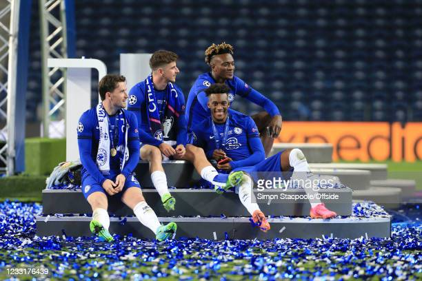 Chelsea players Ben Chilwell , Mason Mount , Callum Hudson-Odoi and Tammy Abraham relax together after victory in the UEFA Champions League Final...