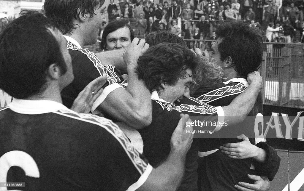 Chelsea players celebrate the winning goal to complete the ...