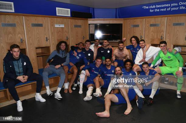 Chelsea players celebrate victory after the UEFA Europa League Semi Final Second Leg match between Chelsea and Eintracht Frankfurt at Stamford Bridge...