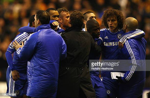 Chelsea players celebrate with manager Andre VillasBoas and the team bench as Ramires scores their first goal during the Barclays Premier League...