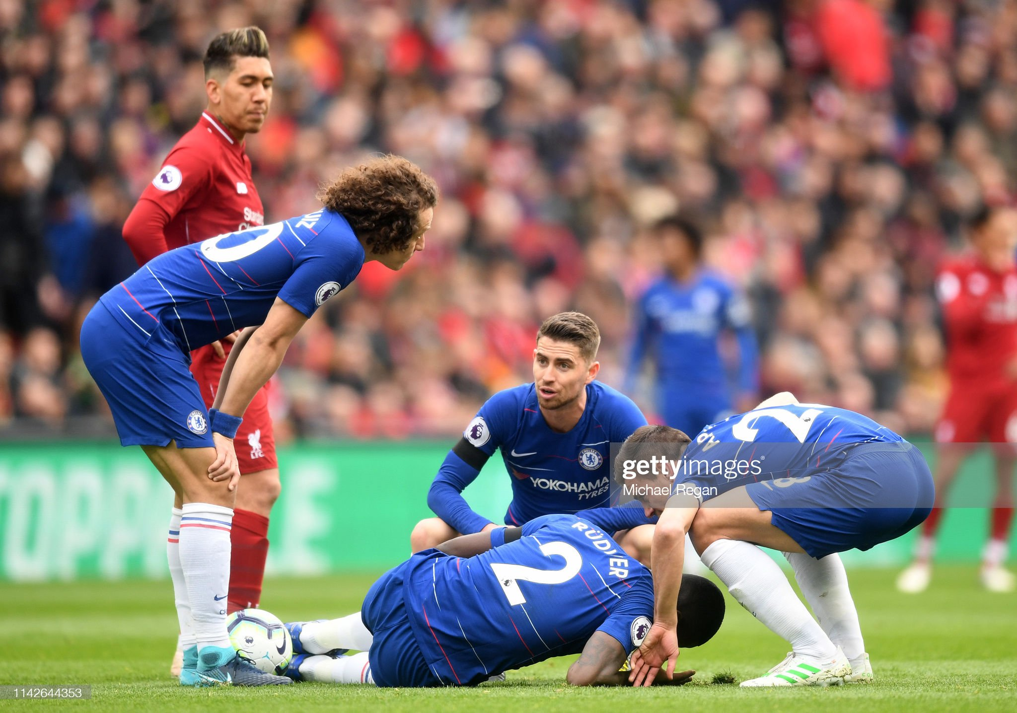 Liverpool FC v Chelsea FC - Premier League : News Photo