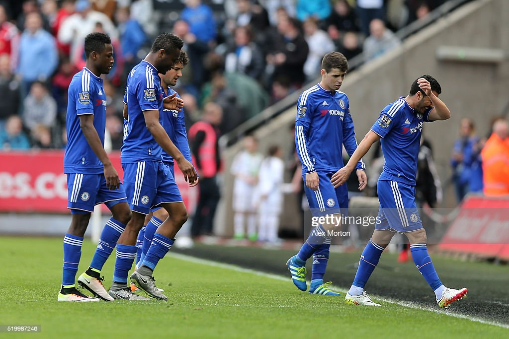 Swansea City v Chelsea - Premier League : News Photo