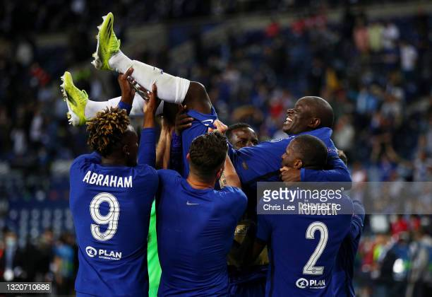Chelsea players lift team mate Ngolo Kante of Chelsea celebrating victory in the UEFA Champions League Final between Manchester City and Chelsea FC...