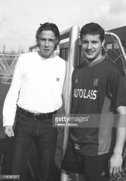 Chelsea players Sam Dalla Bona and Carlo Cudicini in a PreSeason training session held in August 1999 at Chelsea FC's Harlington training ground in...
