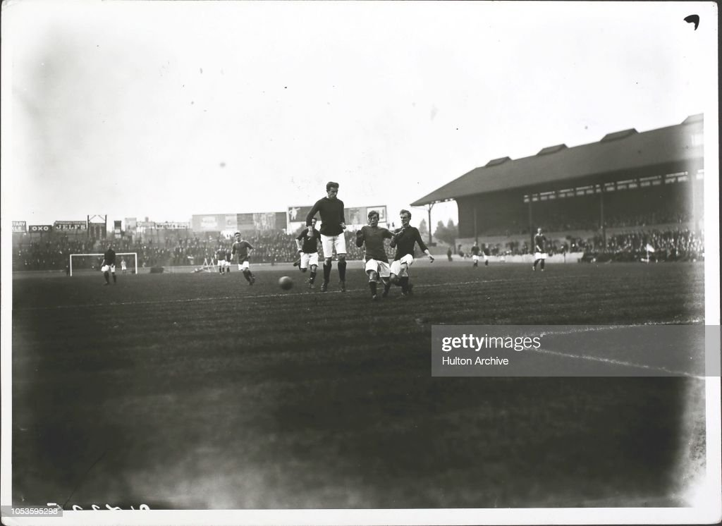 Chelsea v. Liverpool, Stamford Bridge 9 9 1912, Chelsea centre ...