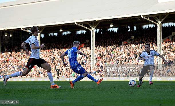 Chelsea's Andre Schurrle scores his 1st goal during a Barclays Premier League match between Fulham and Chelsea at Craven Cottage on 1st March 2014 in...