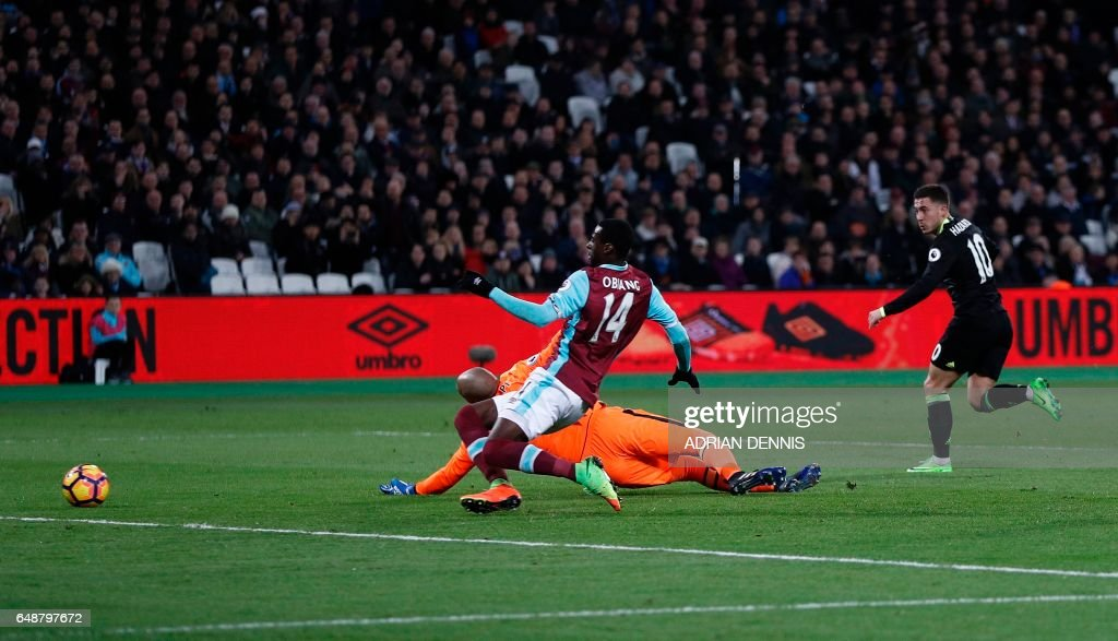 FBL-ENG-PR-WEST HAM-CHELSEA : News Photo
