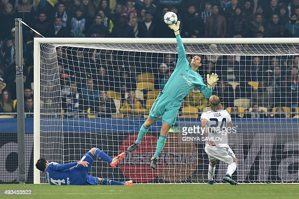 Chelsea's Bosnian goalkeeper Asmir Begovic makes a save during the UEFA Champions League football match Dynamo Kiev vs Chelsea on October 20 2015 at...